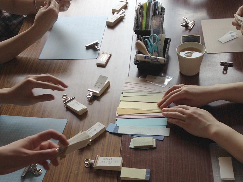 シアターカフェ 個展「ひらく とじる ひらく」 豆本ワークショップ