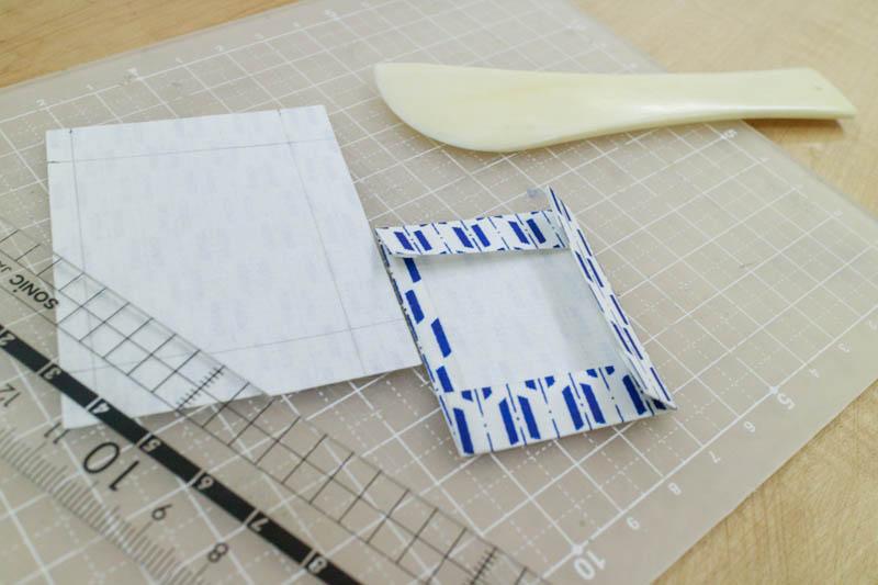 和綴じ豆本:表紙を折る2
