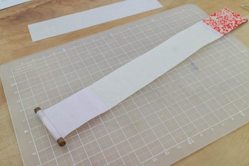 豆巻物:尾紙・本文・表紙を貼る