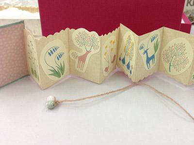 豆本ワークショップ 不思議植物カードを貼る折本づくり